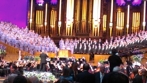 Close up of the Mormon Tabernacle Choir